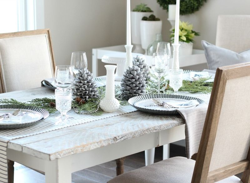 White Christmas dining table
