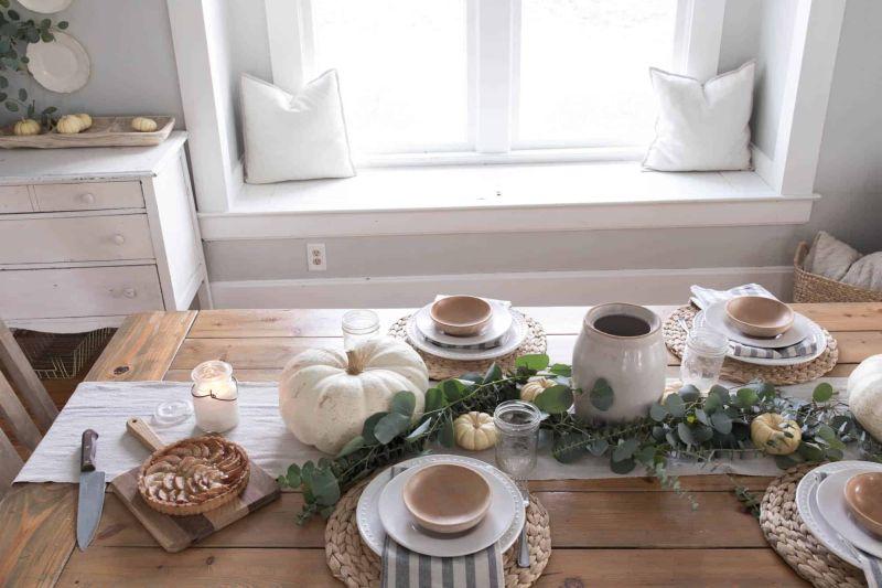 farmhouse style Thanksgiving table decor ideas