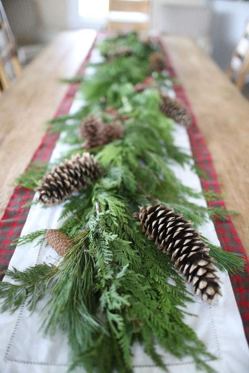 nature-inspired Christmas tablescape