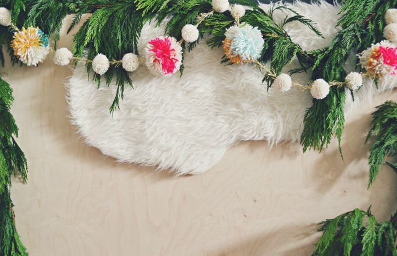DIY Christmas garland from pom poms