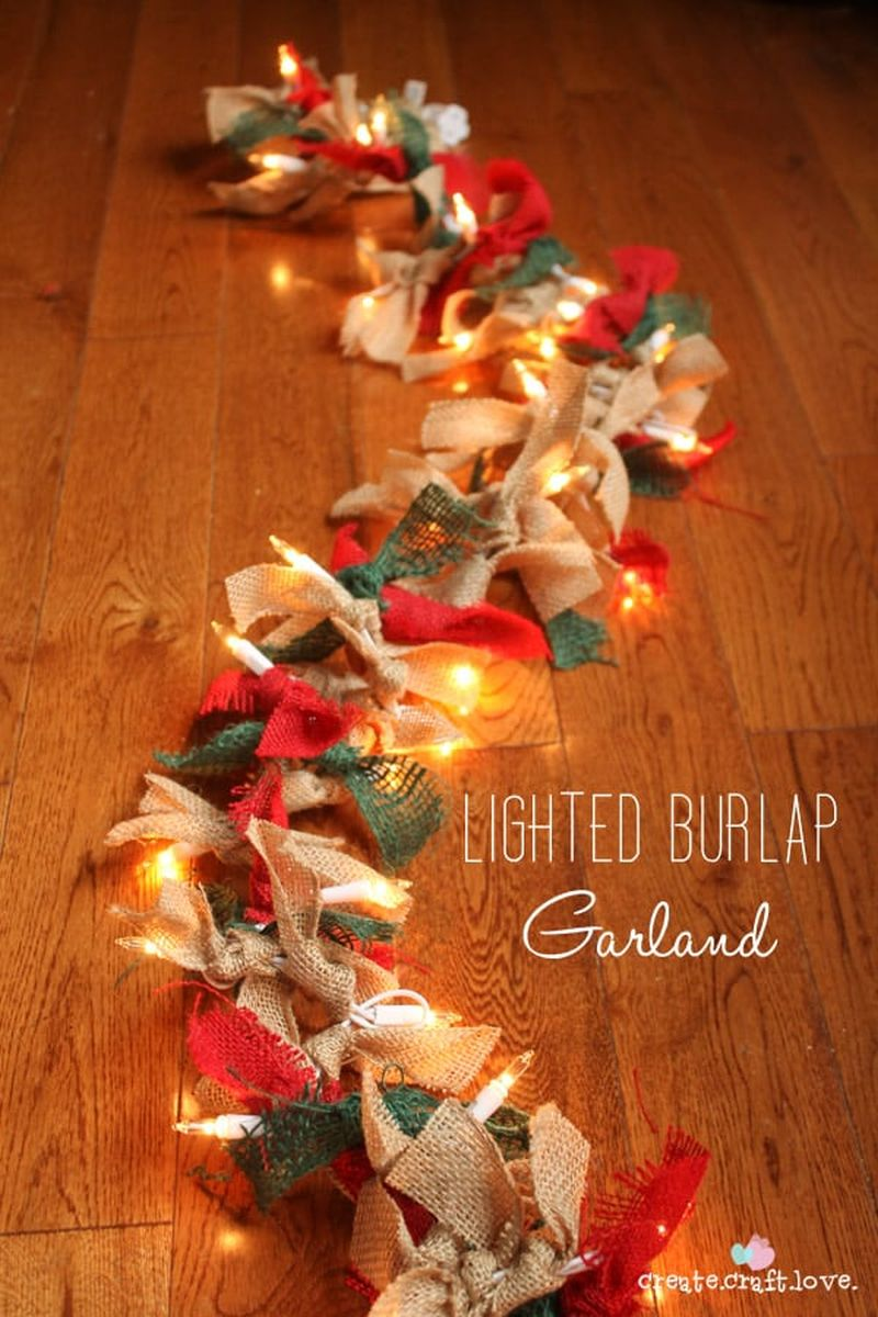 DIY lighted burlap Christmas garland