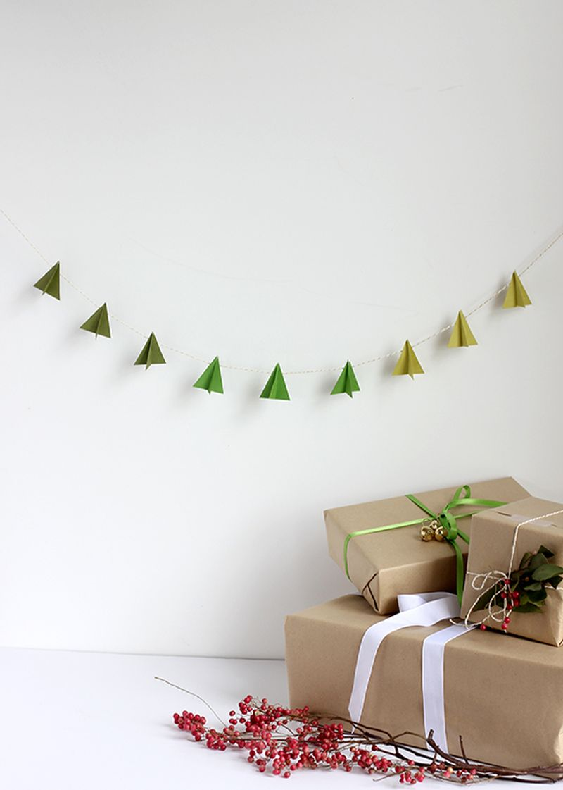 DIY paper Christmas Tree garland