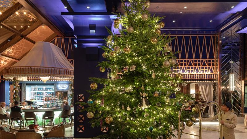 Debbie Wingham Creates World's Most Expensive Christmas Tree