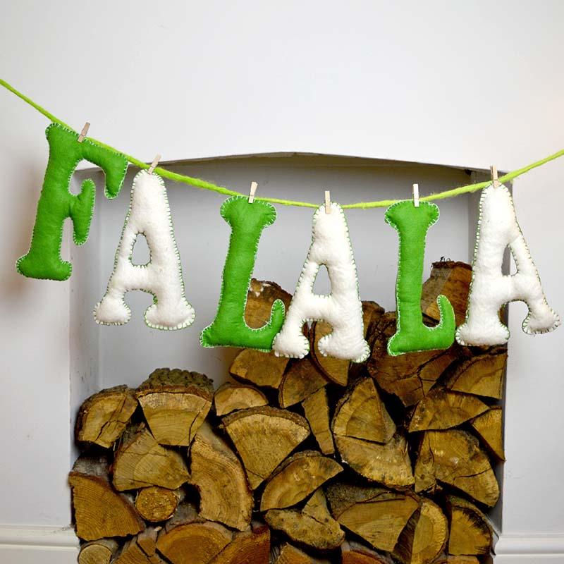 Felt letters DIY christmas-garland