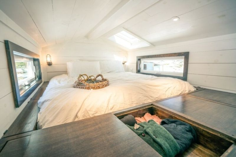 Luxurious Off-Grid Ark Tiny Home Blends Function and Style Seamlessly
