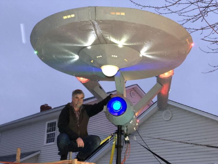 Moncton Builds Starship Enterprise Replica for Christmas Display