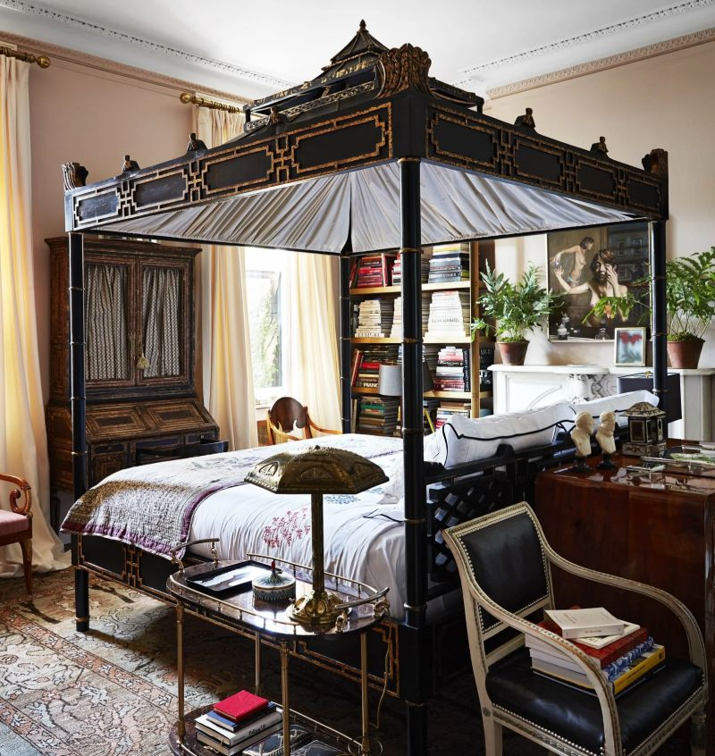 Canopy Beds making a comeback