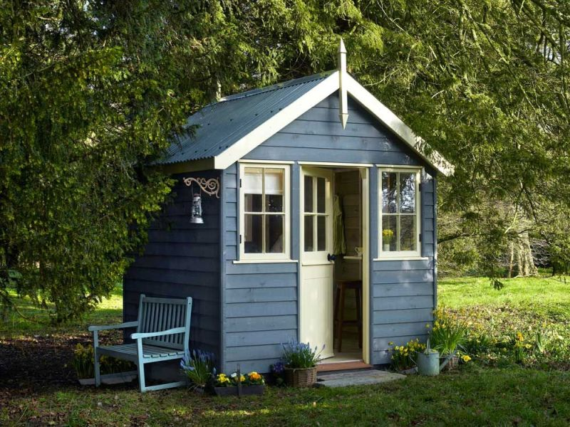 Top 7 Reasons You Need to Build a Summerhouse in Your Garden