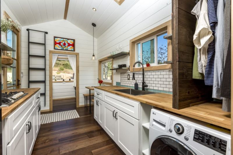Joshua Tree Tiny House on Wheels Up for Sale in Oregon